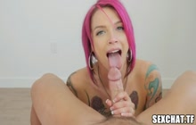 Tattooed MILF Anna Bell Peaks prepares for sex