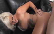 Tattooed MILF loves deep anal